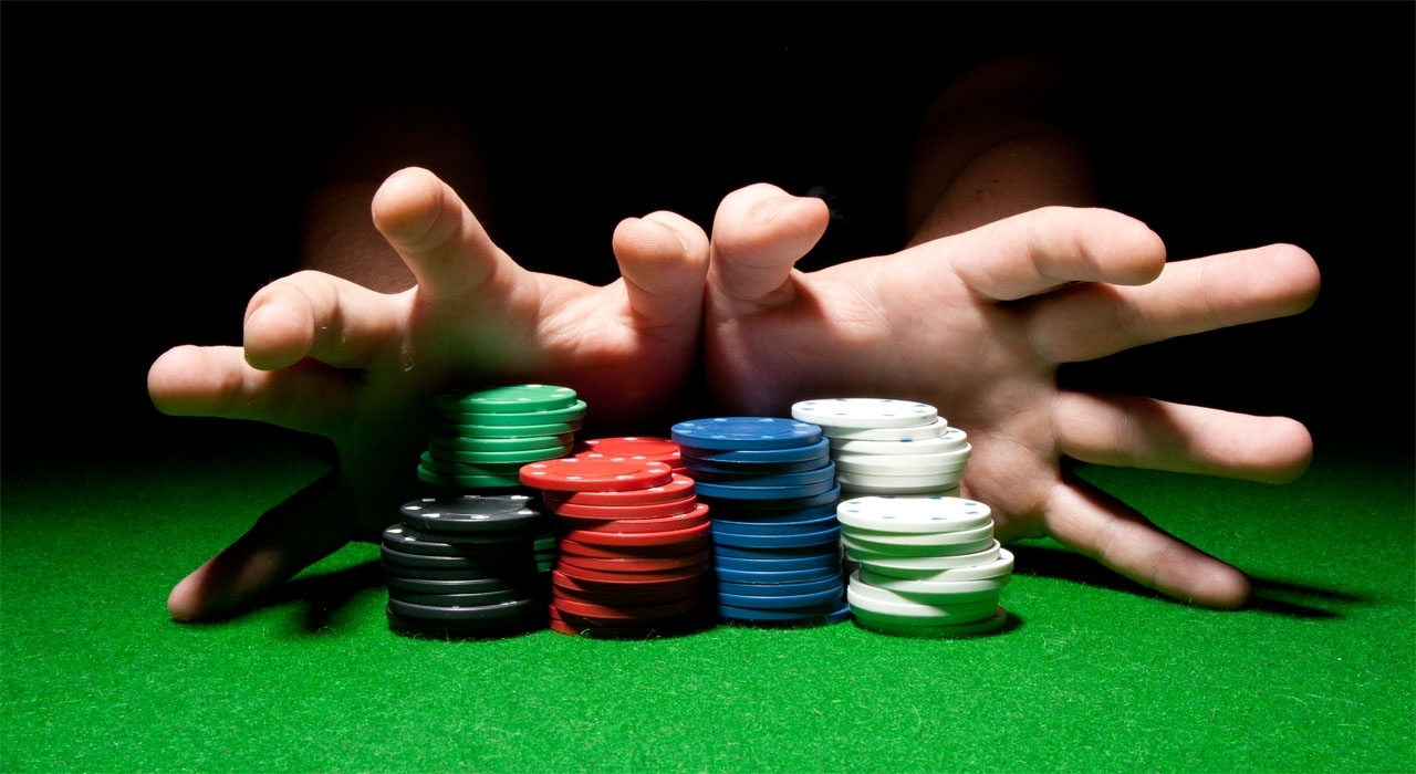 Learn the rules to blow out the poker game play