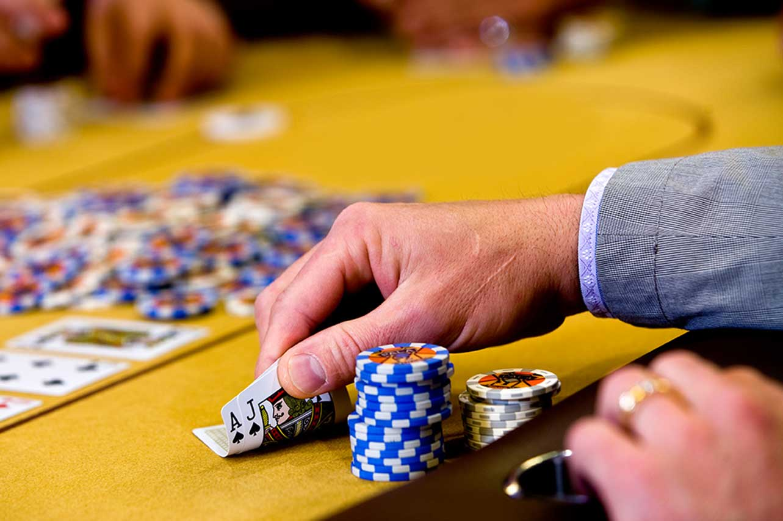 Categories of gambling games online